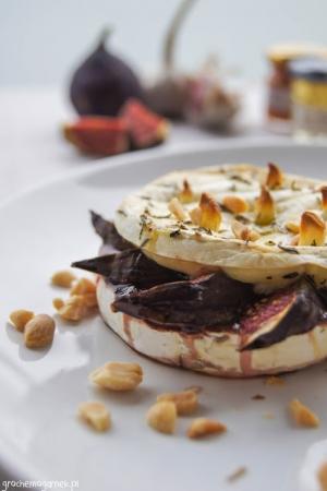 Camembert zapiekany z figą