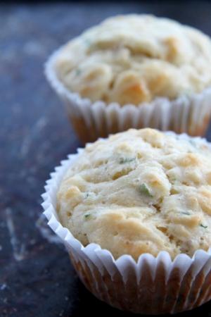 Muffiny serowo-cebulowe
