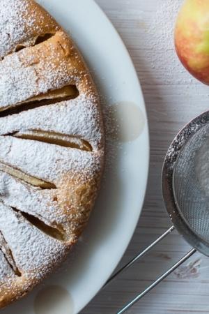Proste ciasto korzenne z jabłkami