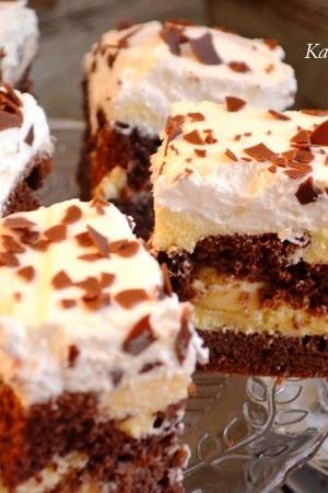 Ciasto kakaowe z bananami - kakaowy z dziurami i bananami