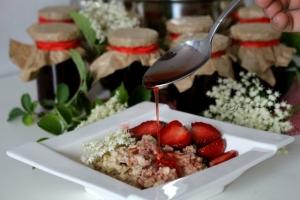 Syrop z truskawek i dzikiego bzu - deserowy i zdrowy