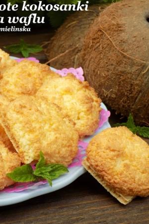 Złote kokosanki na waflu