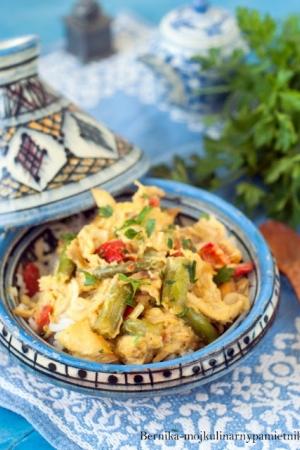Curry z kurczaka pieczonego z fasolka