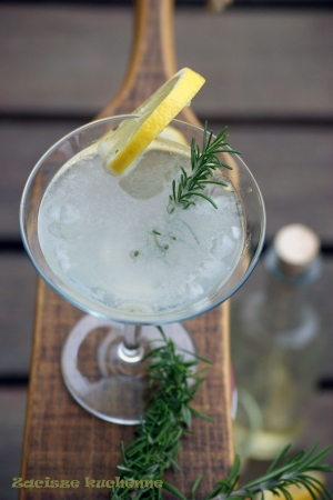 Drink Rosemary Gin Gimlet