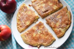 Omlet biszkoptowy z jabłkami i cynamonem