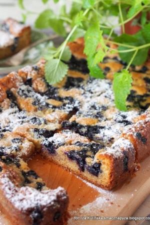 Ciasto z białą czekoladą i jagodami. Blondie z owocami